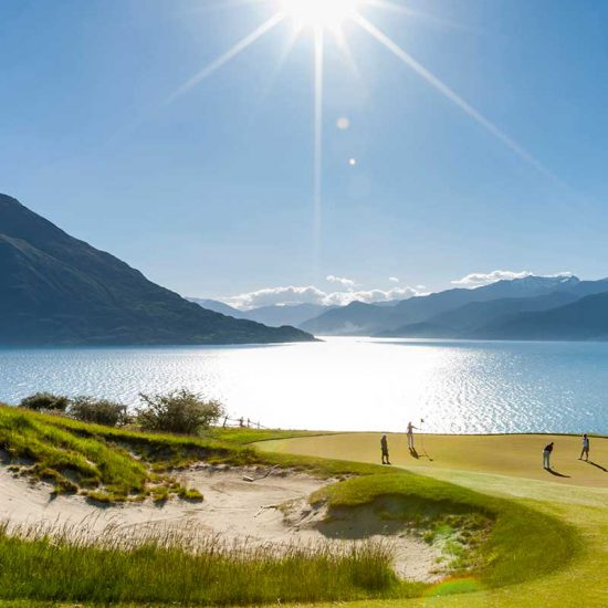 16 Day New Zealand Gateway Escorted Tour.