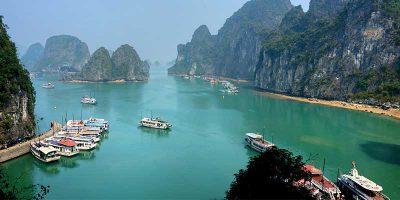 Halong Bay. Vietnam Holidays Highlight