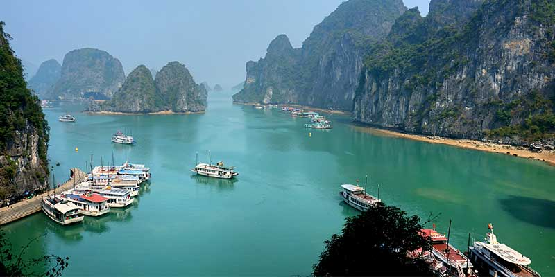 Halong Bay. Vietnam Holidays Highlight